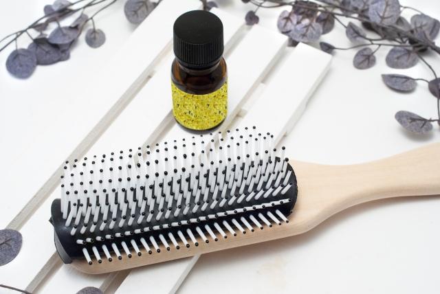 人気ヘアサロンの美容師おすすめ!ヘアオイルを使用したスタイリング