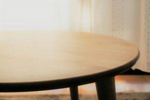 丸形タイプのテーブル