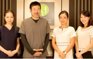 渋谷の森クリニックの院長とスタッフの写真