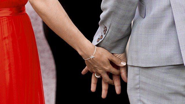 お相手を無料で検索できるネット婚活が人気!